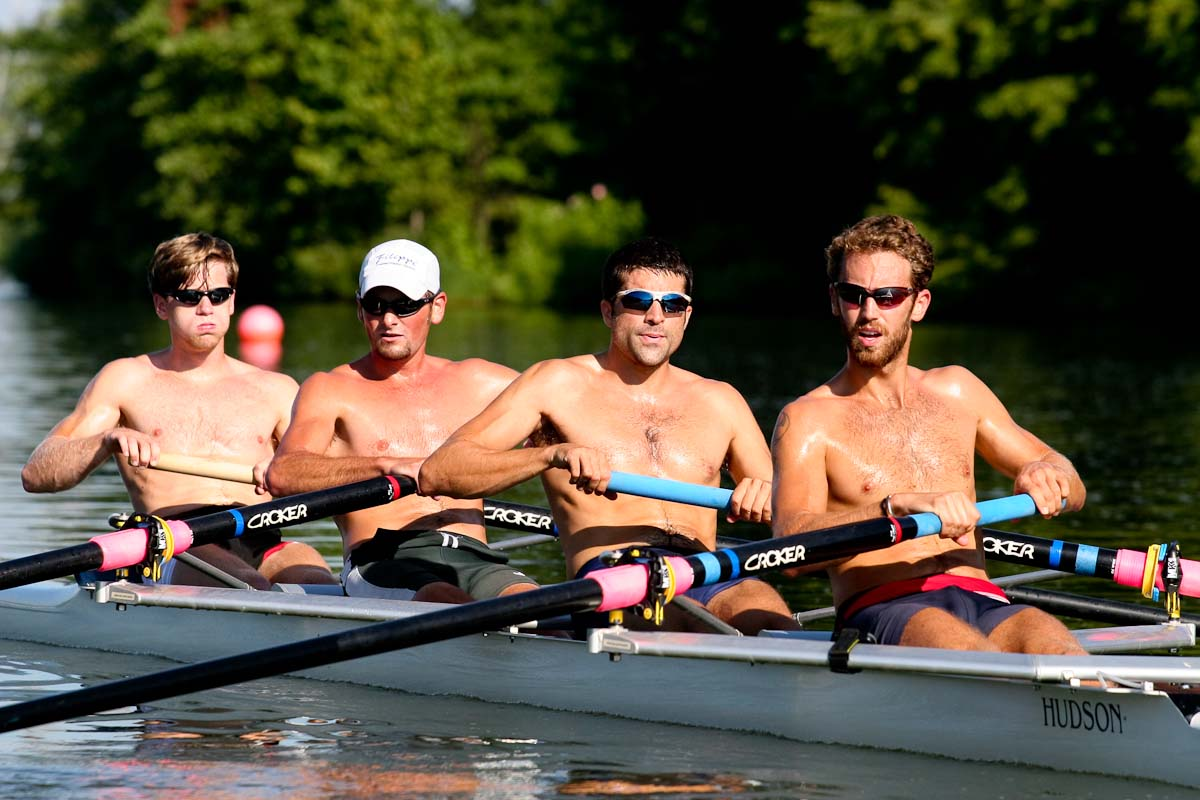 Lightweight rowers training at Lake Mercer